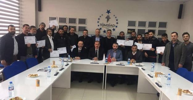 TÜMSİAD girişimcilik eğitim sertifikalarını teslim etti