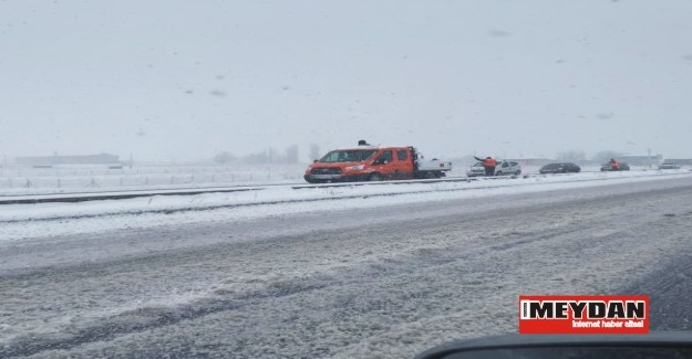 Kar ve buzlanma ulaşımı engelliyor