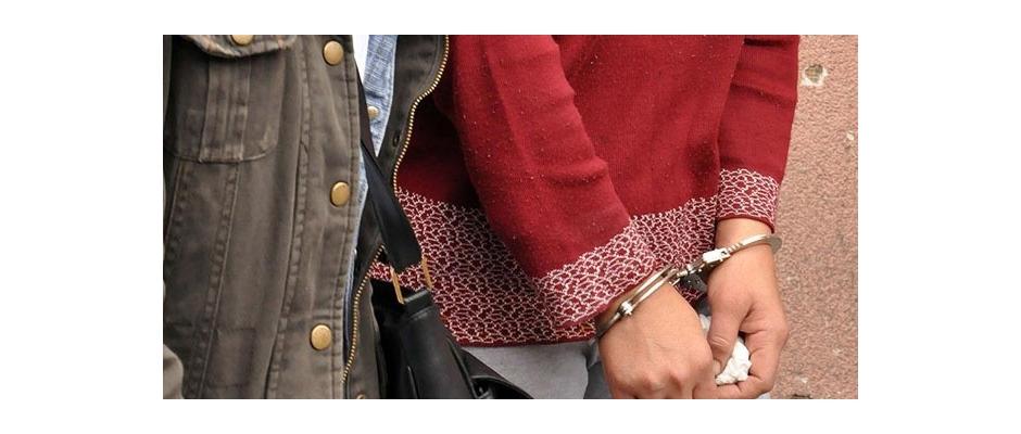 5 trilyon dolandıran iki bayan yakalandı