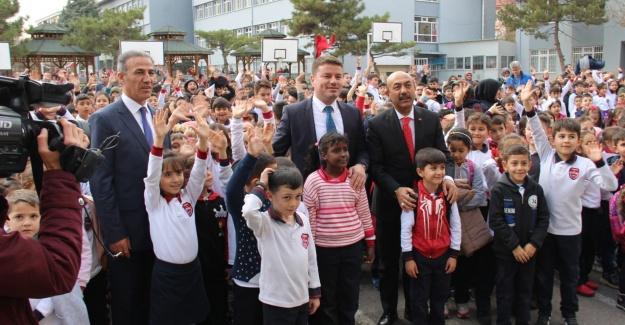Kılıçarslan İlkokulu'nda Öğretmenler Günü Kutlandı