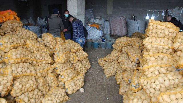 İl Valiliklerine sevk edilen patates ve soğanlar ihtiyaç sahiplerine bedelsiz dağıtılacaktır