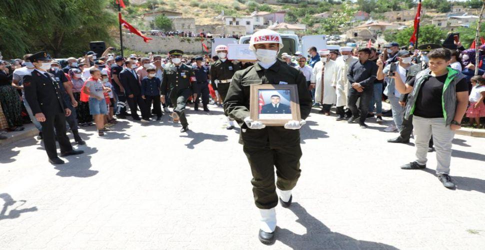 Şehit Sergen Güçlüer dualarla son yolculuğuna uğurlandı