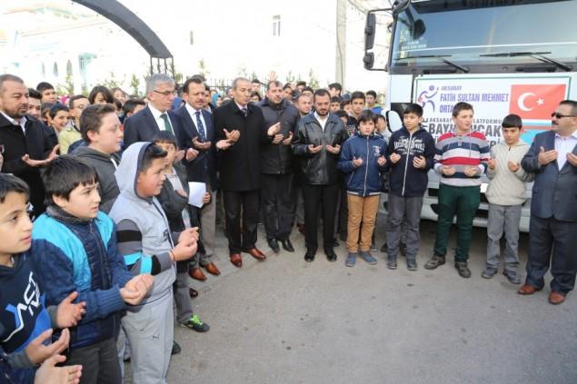 Öğrencilerden Bayırbucak Türkmenlerine destek