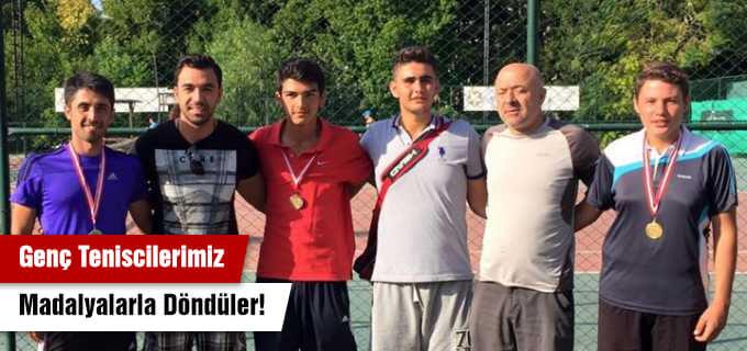 Genç Teniscilerimiz Madalyalarla Döndüler