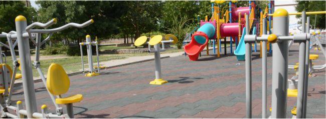 Oyun Parkları Ve Spor Aletleriyle Parklar Yenileniyor
