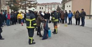 İtfaiye Teşkilatından Kurum ve Kuruluşlara Yangın Eğitimi