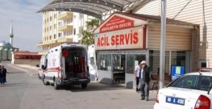 Aksaray'da park halindeki kamyonete tır çarptı 4 yaralı