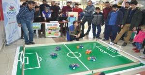 Robot futbol ligi görücüye çıktı