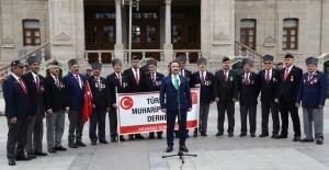 Vali Ali Mantı Gaziler ile birlikte Aksaray türküsünün klip çekimine katıldı