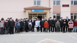 Şehit Fatih Gökkaya Ortaokuluna kitap bağışı