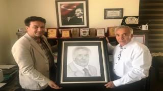 Duayen Gazeteci Yavuz Donat'tan AGYC Başkanı Acar'a ziyaret.